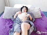 Yanks Cutey Asian Hope Gold Masturbating